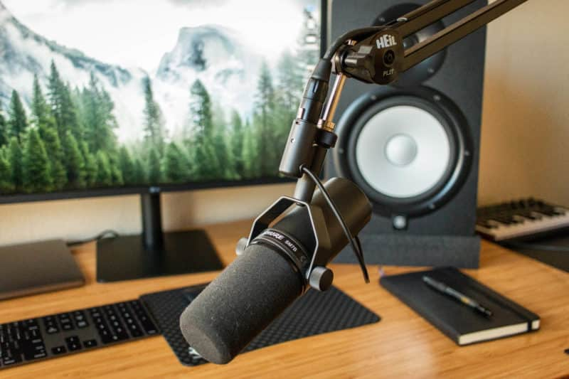 Shure SM7B with Heil PL2T Boom Arm For Podcasting